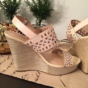 Platform wedge sandals 🌺🌺🌺